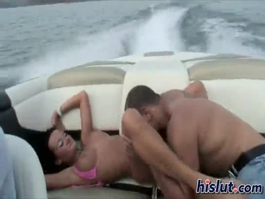 Fast boat ride with pussy