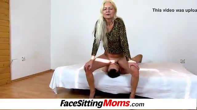 Rich older lady makes boy lick her pussy