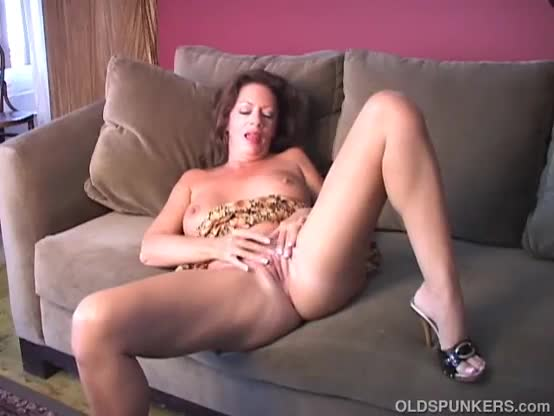 Fat wife sienna hils loves to fuck hot studs