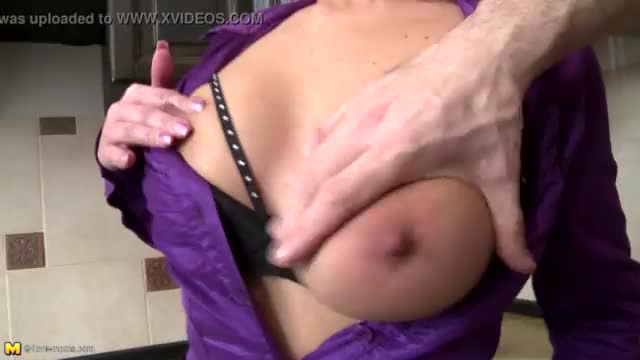 British slut melissa gets fucked in the kitchen